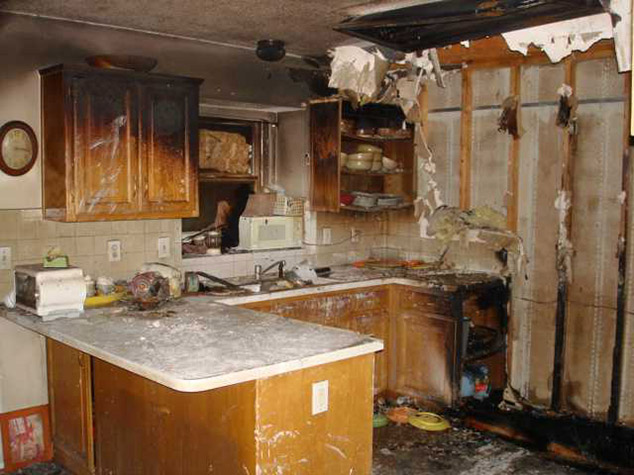 http://www.trukleen.com/blog/wp-content/uploads/fire-damage-repair.jpg